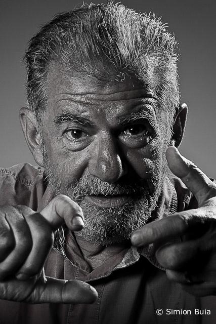 Actorul Florin Zamfirescu, fotografiat de Simion Buia