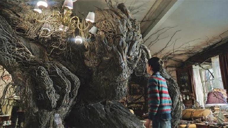 copacul cu povesti