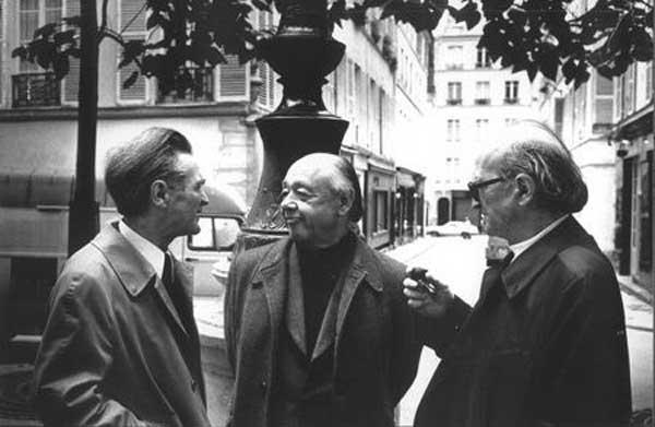 Emil Cioran, Eugen Ionescu și Mircea Eliade în Place Furstenberg din Paris, în anul 1986