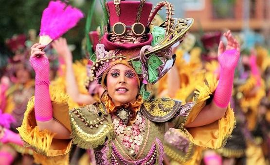 Farmecul carnavalului